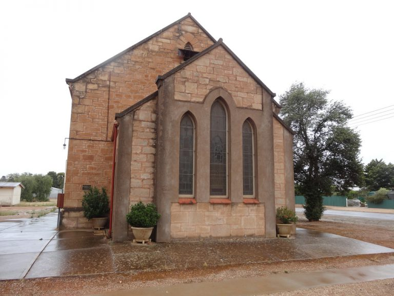 Seven beautiful things about small churches